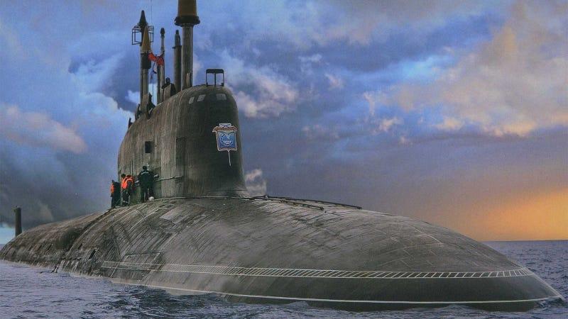 Este es el nuevo y gigantesco submarino nuclear ruso for Interior submarino