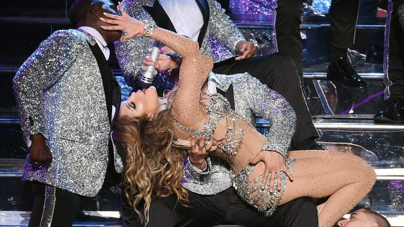 Illustration for article titled Jennifer Lopez Opened Her Las Vegas Residency In Fur, Of Course