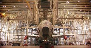 Cómo se prueba la resistencia de las alas en aviones comerciales