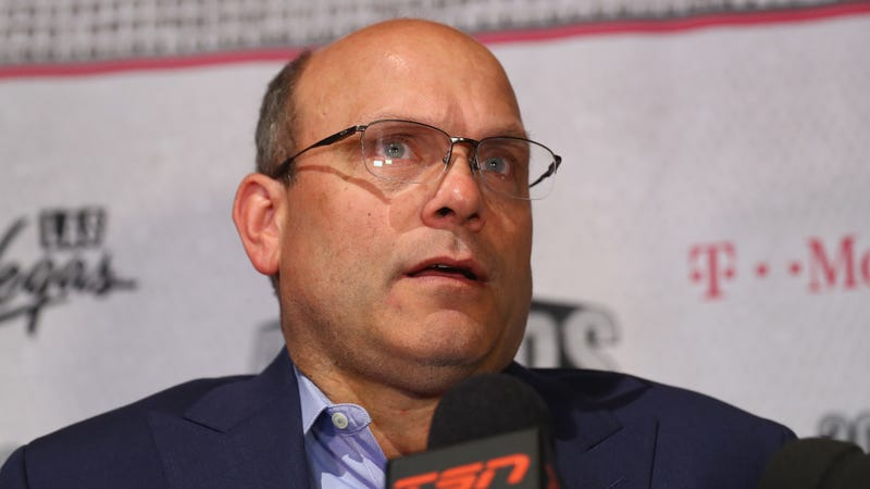 Illustration for article titled The Broken Oilers Are Keeping Their Crappy GM