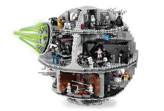 Illustration for article titled Lego Star Wars Death Star Diorama Now Available—Rebel Alliance and Free Time Beware!