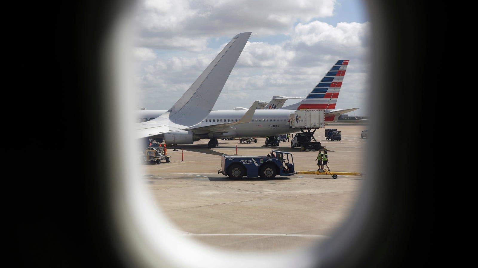 photo image FBI Warns of 'Alarming' Increase in In-Flight Sexual Assaults