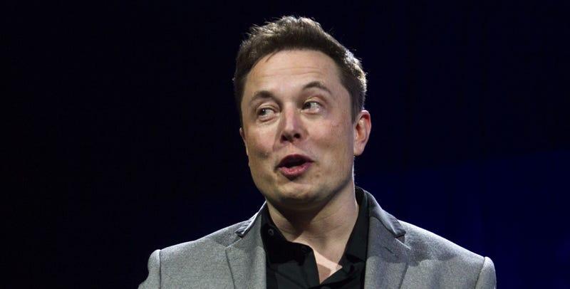 Elon Musk quiere que Apple entre en el negocio de los coches