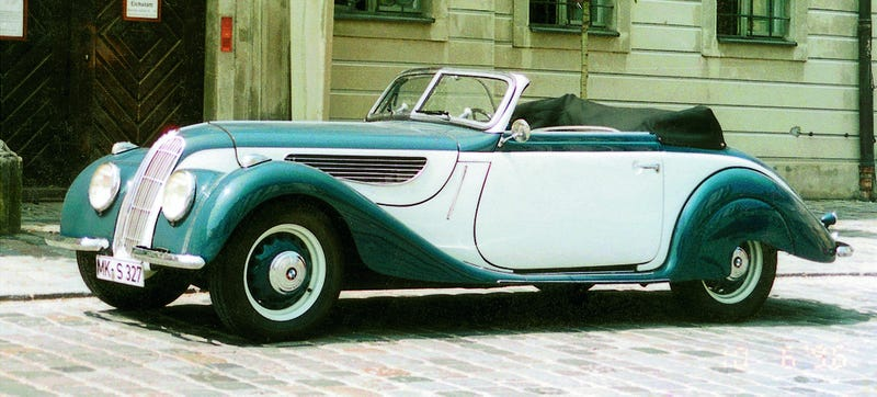 Illustration for article titled The BMW 327 Was More Than The First Streamlined Bavarian