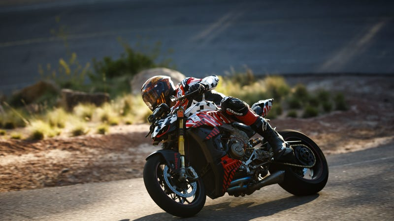 Illustration for article titled Ducati Rider Carlin Dunne Dead After Pikes Peak Hill Climb Crash
