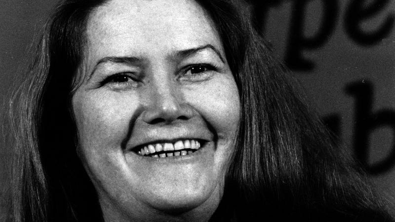 Illustration for article titled Colleen McCullough Obit Leads by Calling Her 'Plain' and 'Overweight'