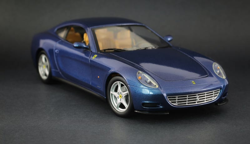 Illustration for article titled Ferrari 612 Scaglietti from Hot Wheels in 1:18 Scale
