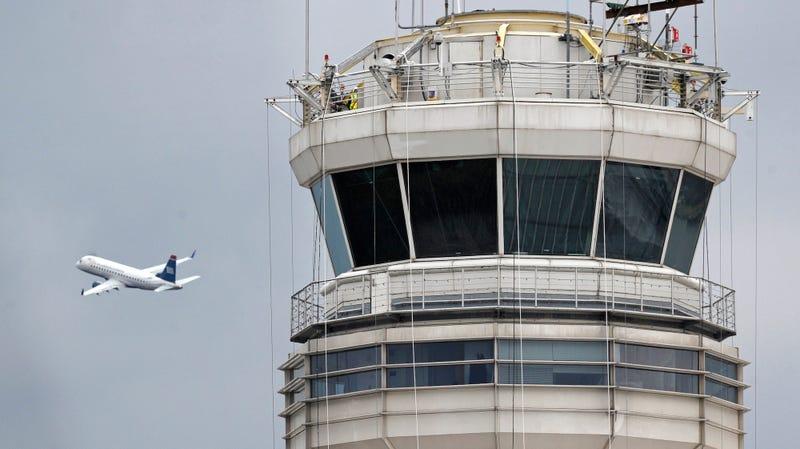 Illustration for article titled Un avión se pasa 50 kilómetros de su aeropuerto de destino porque el piloto se quedó dormido