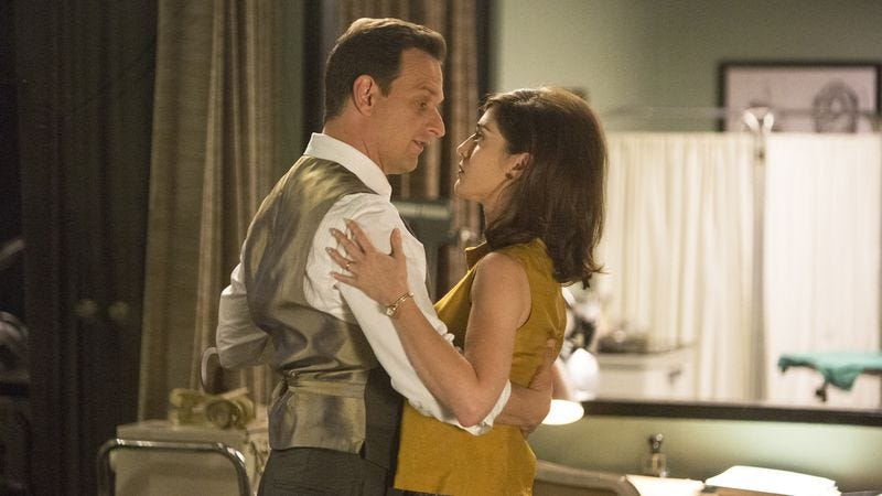 Josh Charles and Lizzy Caplan (Photo: Michael Desmond/Showtime)