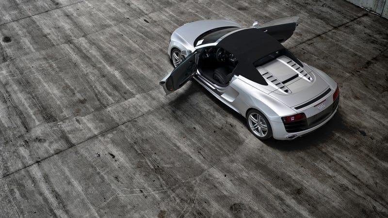 Illustration for article titled Audi R8 V10 Spyder: Pure Car Porn