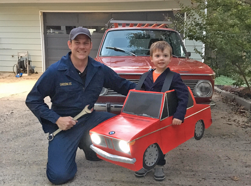 Illustration for article titled Dad Wins Car-Halloween With This Fantastic BMW Costume For His Kid