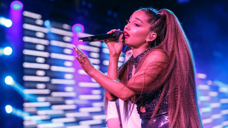 Illustration for article titled Ariana Grande Sues Forever 21 For Hiring 'Look-Alike Model' To Sell Makeup