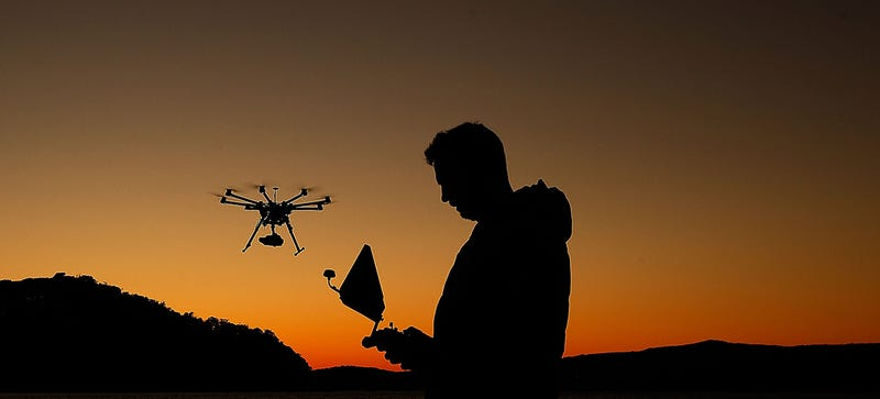 Illustration for article titled FAA Will Let Hollywood Use Commercial Drones to Shoot Movies