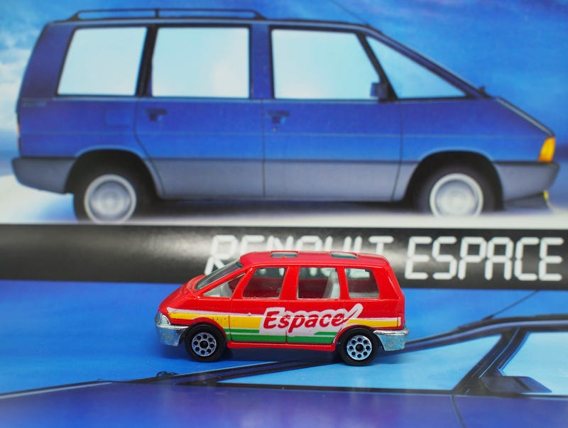Illustration for article titled Radcast - Le Rad: Renault Espace By Novacar