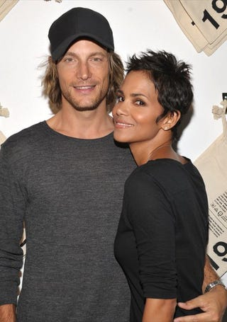 """Illustration for article titled Halle Berry & Gabriel Aubry Split; Jenna Says Tito Made A """"Mistake"""""""