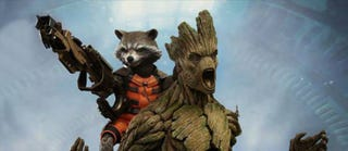 Illustration for article titled Holy cow, Hot Toys' Rocket and Groot figures look incredible