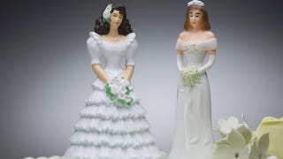 Illustration for article titled Store Refuses To Sell Wedding Dress To Lesbian Bride