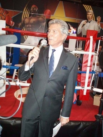 "Illustration for article titled Michael Buffer Gives A Wii To The Best ""Rumbler"""