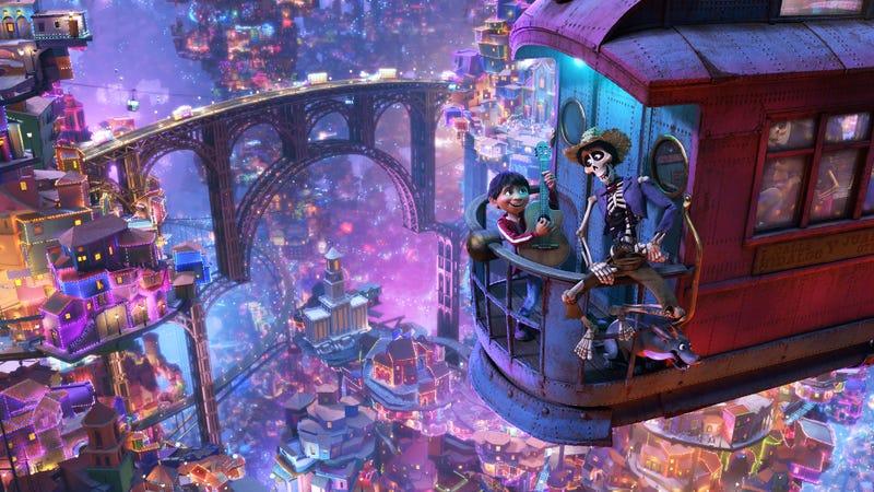 Coco [4K + Digital] | $25 | Amazon | Blu-ray + Digital también disponible por $20Imagen: Disney