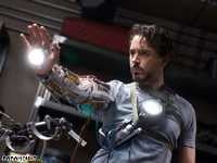 Illustration for article titled Iron Man: The Charming, Agile, Crackling, Comedic Anti-Chick Flick