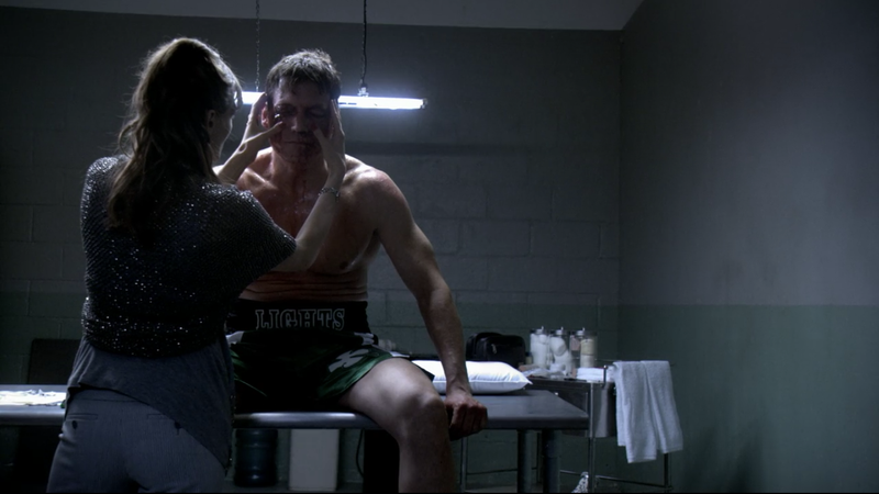 Catherine McCormack (left), Holt McCallany (Screenshot: Lights Out)