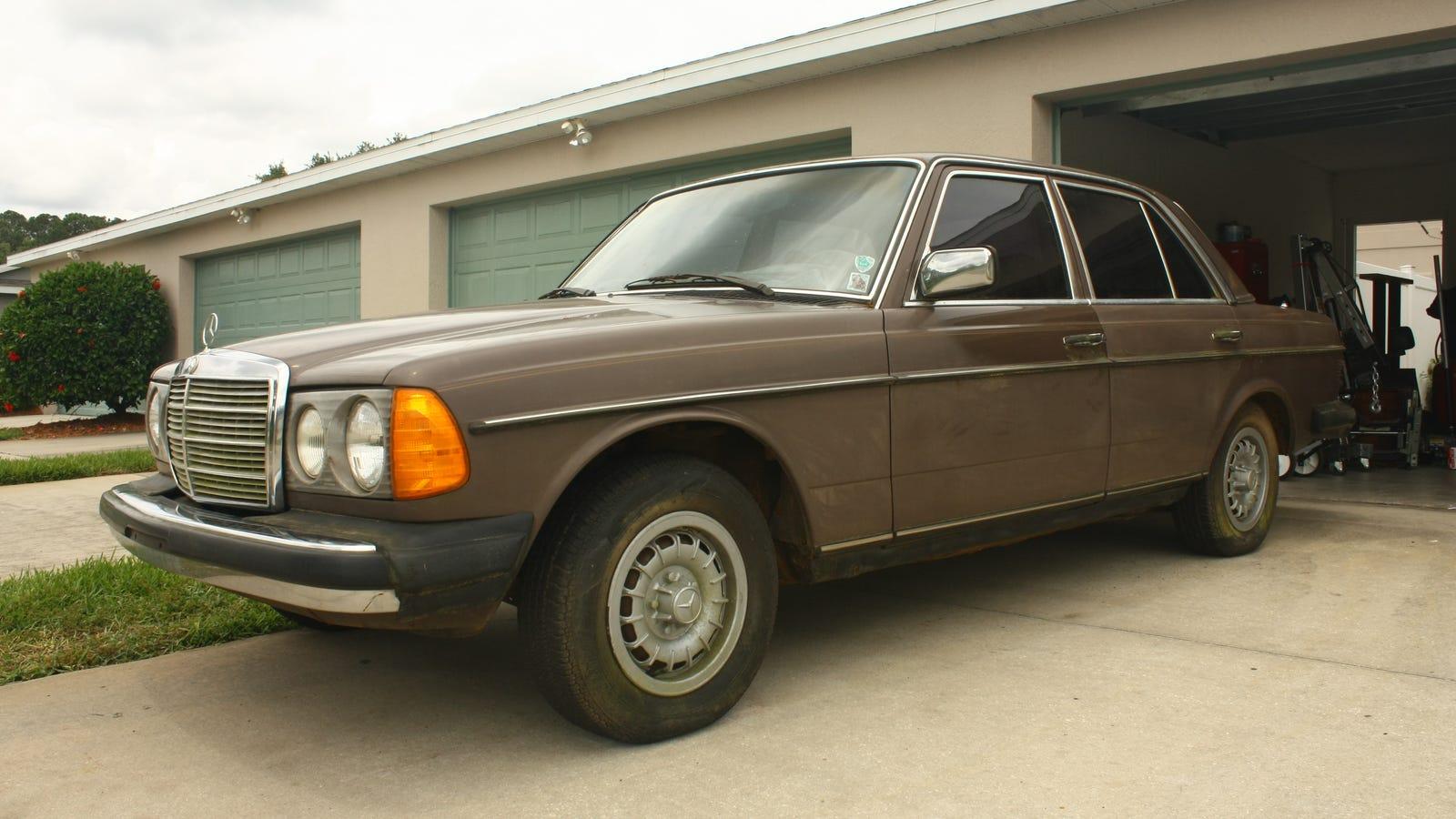 1978 Mercedes Benz 240D 4 Speed Restoration