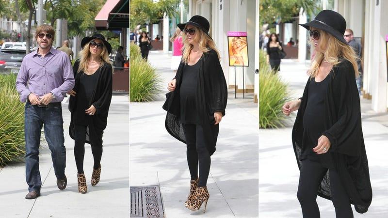 Illustration for article titled Rachel Zoe's Maternity Wear: Black & Sky-High Heels