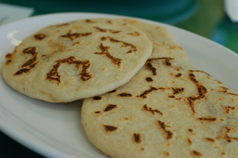 Illustration for article titled Why haven't pupusas caught on in the US?