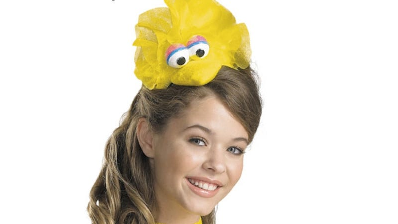 Illustration for article titled Sesame Street Displeased That Women Want to Be 'Sexy Big Bird' for Halloween