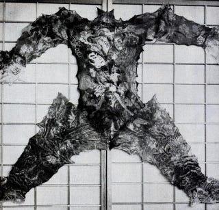Illustration for article titled Éke a falnak a jakuzabőr