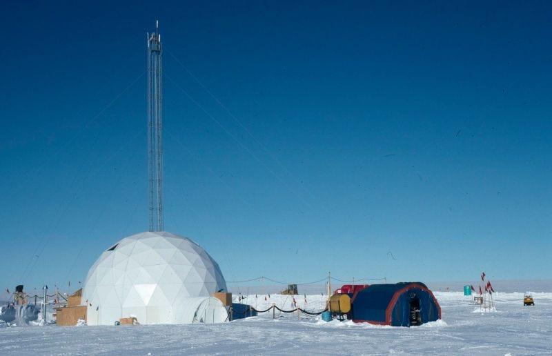 Estación Vostok donde se perfora el hielo de la Antártida. Foto: Michael Bender
