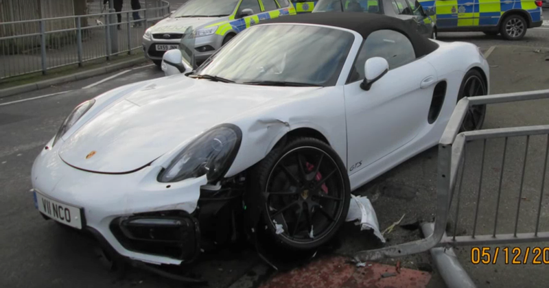 Illustration for article titled If You're Leading A Police Chase Through The Twisties, Why Not Steal A Boxster GTS?