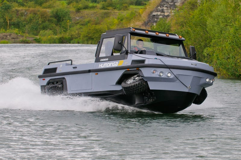 Illustration for article titled This Amphibious Tank-Yacht Might Save Your Life One Day
