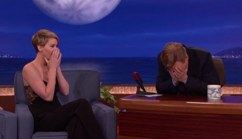 Illustration for article titled A takarítónő találta meg az imádnivaló Jennifer Lawrence seggdugóit