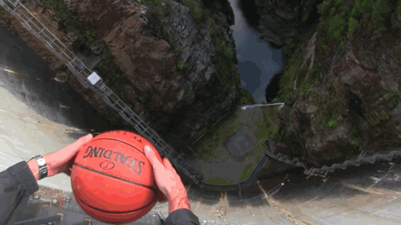 El efecto Magnus o por qué esta pelota parece volar por el aire