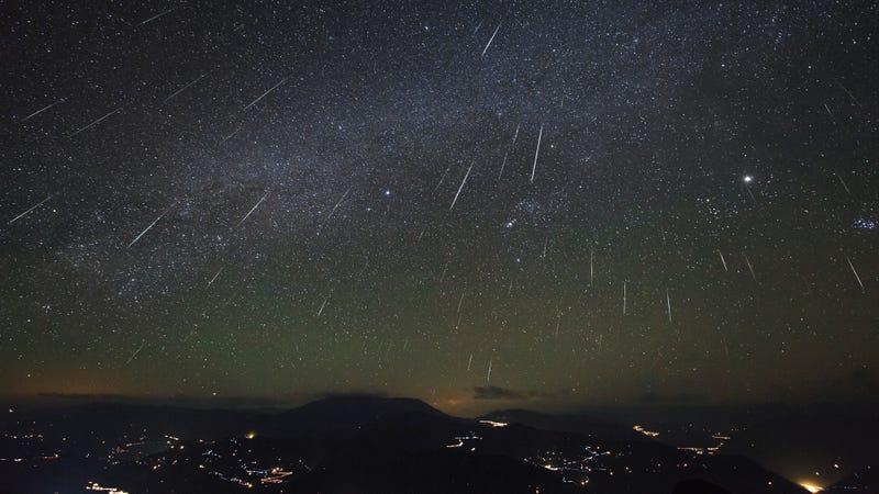 Illustration for article titled Prepárate para las gemínidas, la mejor lluvia de meteoros del año