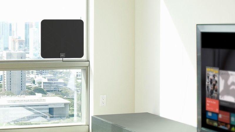 Antena Aukey HDTV (Negra), $15 con código AUKEYANP | Antena Aukey HDTV (Blanca), $14 con código AUKANP02