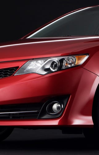 Illustration for article titled 2012 Toyota Camry: A new photo!