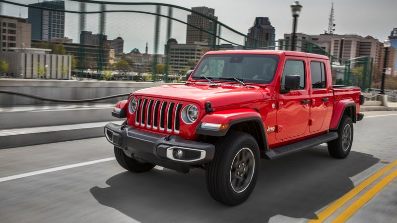 Illustration for article titled Jeep Gladiator Buyers Spend About $1,000 On Accessories