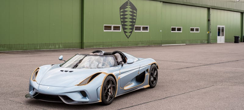 Illustration for article titled The Koenigsegg Regera Is Still The Craziest Car Of 2015