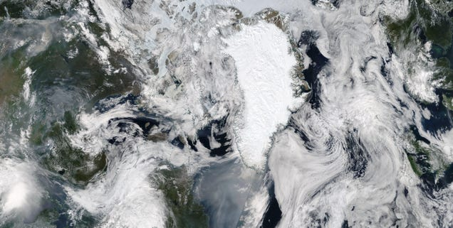 Smoke Plume From Western Wildfires Stretches 2,600 Miles to Greenland