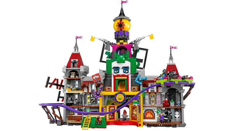Illustration for article titled Lego's New Joker Manor Set Includes a Working Roller Coaster