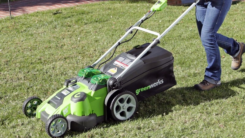 Greenworks 20 Electric Lawnmower 284