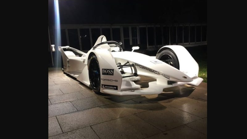 Illustration for article titled Porsche's New Formula E Racer Is Here