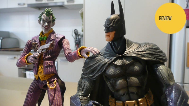 Illustration for article titled Playing Around With Batman: Arkham Asylum's Wonderful Toys