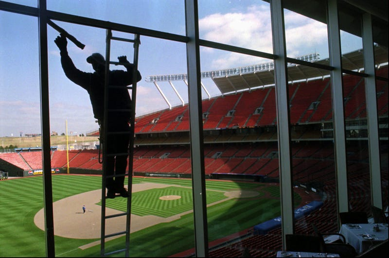 """Illustration for article titled The Royals Are Hiring A Window Washer: """"Must Not Be Afraid Of Heights"""""""
