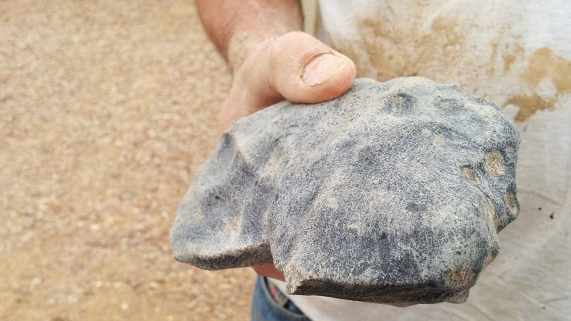 Illustration for article titled Geologists Found a Rock That's 'Older Than Earth' in the Australian Outback