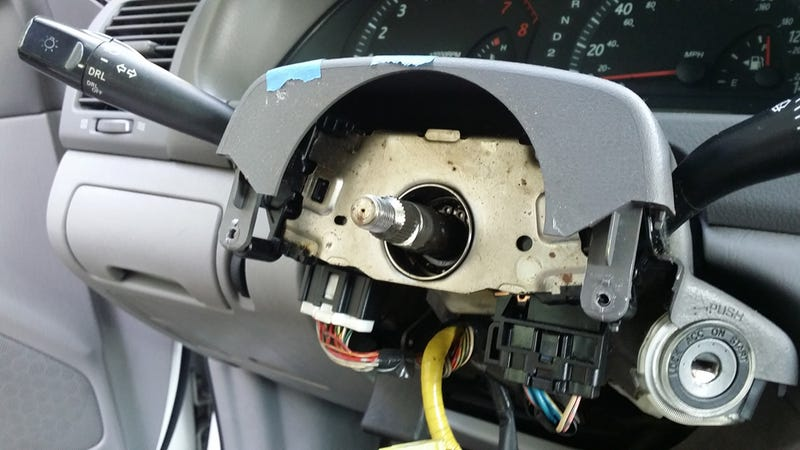 How To Fix Your Airbag Light Without Having It Blow Up In
