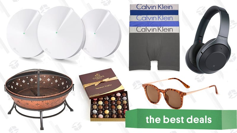 Illustration for article titled Sunday's Best Deals: Calvin Klein Underwear, Noise-Canceling Headphones, Mesh Routers, and More