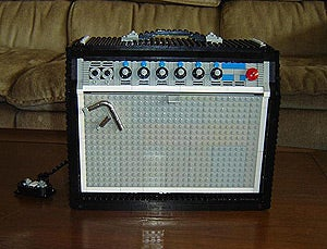 Illustration for article titled Almost Identical Fender Amp Replica Constructed Out of Old, Unmodified Lego Pieces